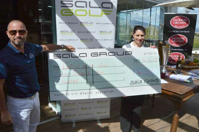 Super League presents donation of over €4,000 for Costa del Sol children's charity