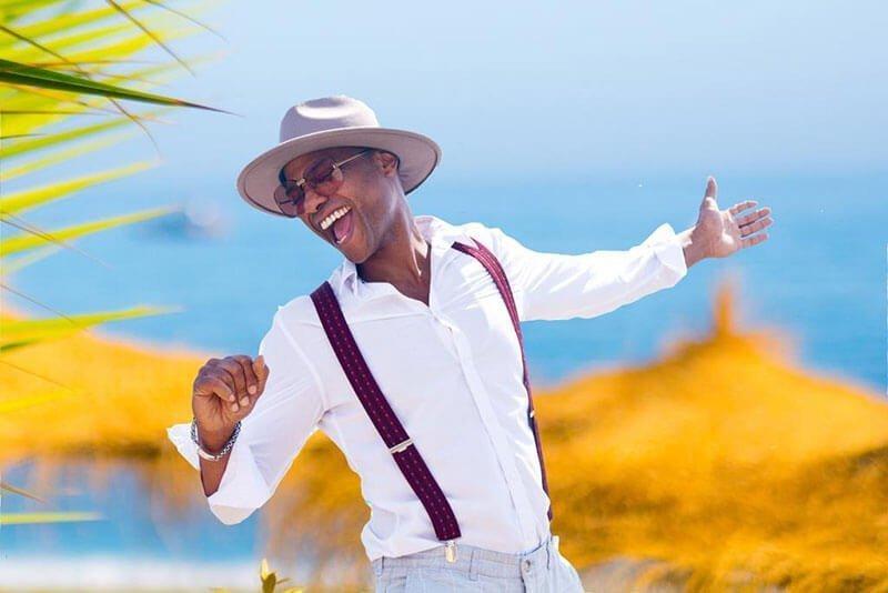 Ivanildo Kembel sings in Marbella at La Sala